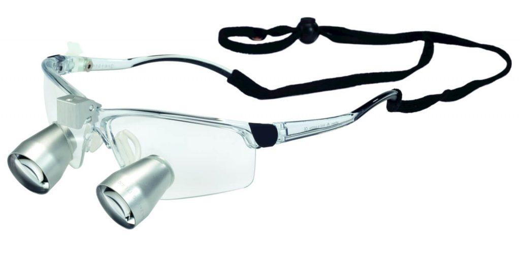 kikarlupp i sportglasögon båge