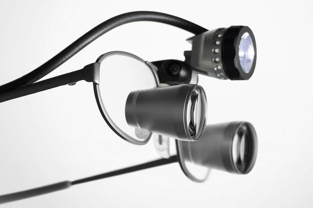 Luppglasögon med lampa Zeiss